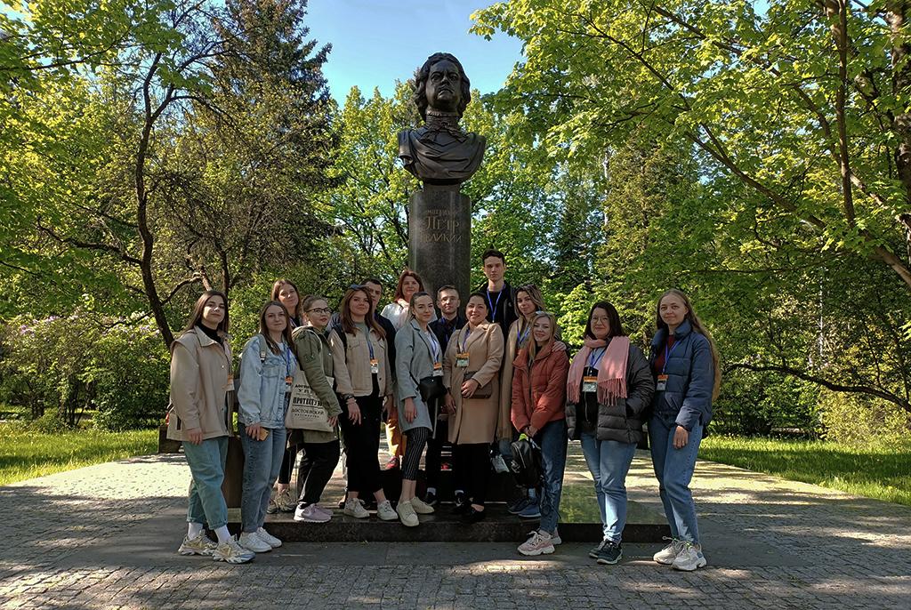 ТУСУР совместно с СПбПУ провёл летнюю школу, где студенты решали практические кейсы российских компаний
