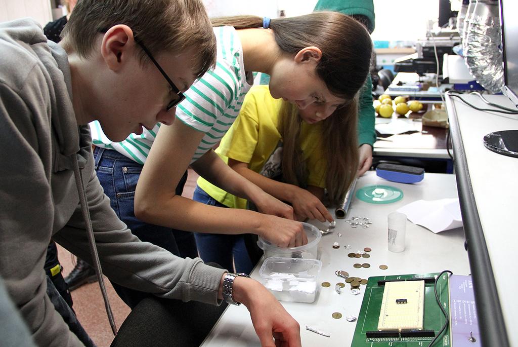 Стартовали первые летние проектные смены ТУСУРа для школьников