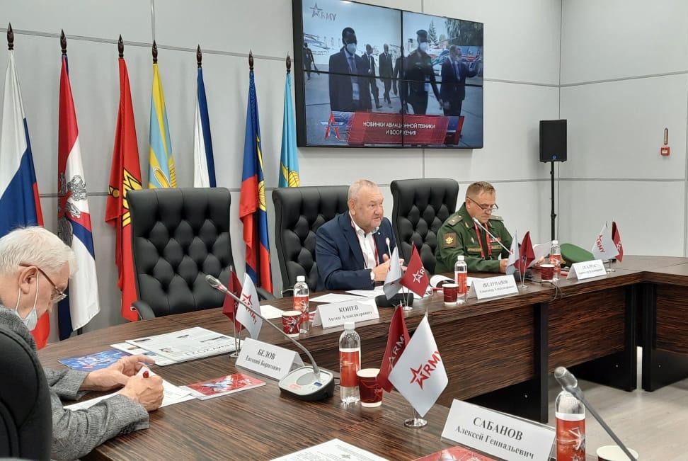 Круглый стол ТУСУРа на форуме «Армия — 2021» собрал ключевых экспертов в области информационной безопасности
