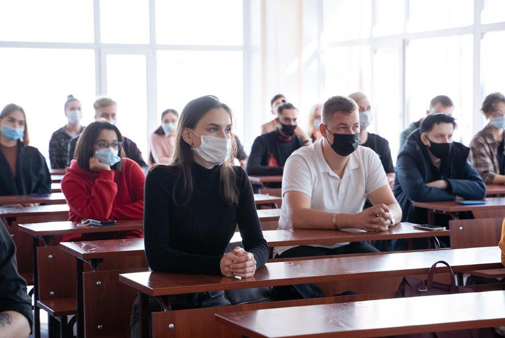 День знаний в ТУСУРе: факультетские линейки и праздник в студгородке
