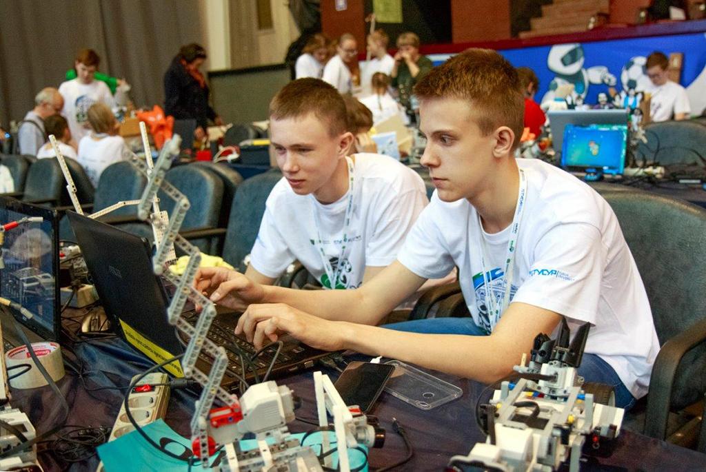 ЦНИИ «Электроника» и ТУСУР начинают сотрудничество в области образовательной робототехники