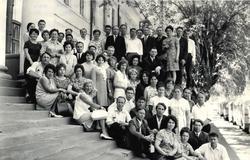 первый выпуск радиотехников на встрече в ТУСУРе в 1971 году