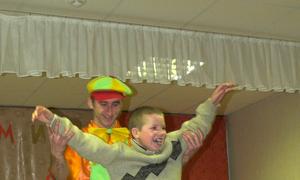 Фотофакт: Студенты ТУСУРа организовали и провели праздничный концерт для воспитанников детского дома