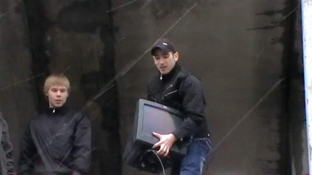 День радио студенты сургутского филиала ТУСУР отметили запуском летающих мониторов