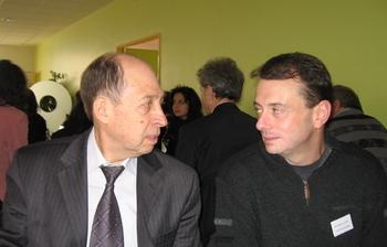 Директор РФЦ доцент Леонид Иванович Бабак и профессор Laurent BILLONNET (Limoges University- France) обсуждают совместный проект по программе Erasmus Mundus