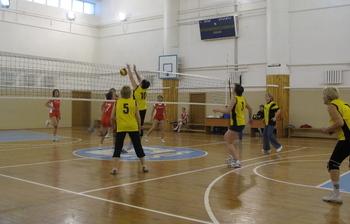 Объявлены результаты игрповолейболу среди сотрудников ТУСУР