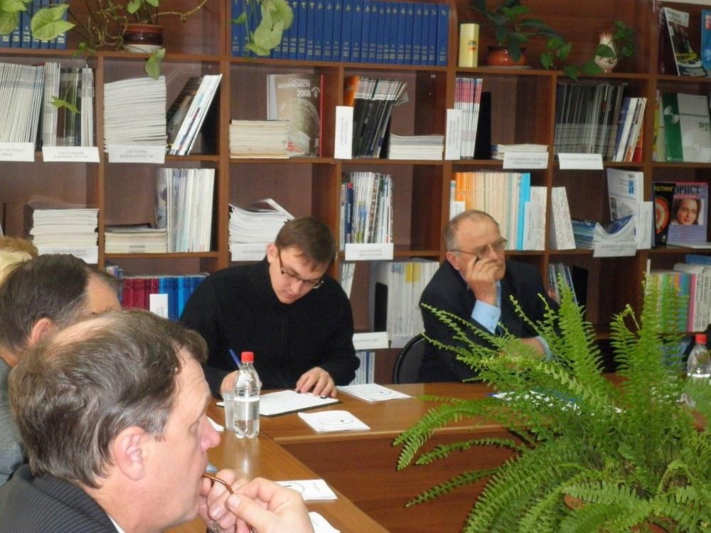 25мая вбиблиотеке ТУСУР прошёл День кафедры сотрудников ФЭТ