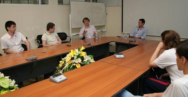 Студенческий бизнес-инкубатор «Дружба» врамках делового визита вТомск посетил генеральный директор сингапурской компании A2Эндрю Кармоди