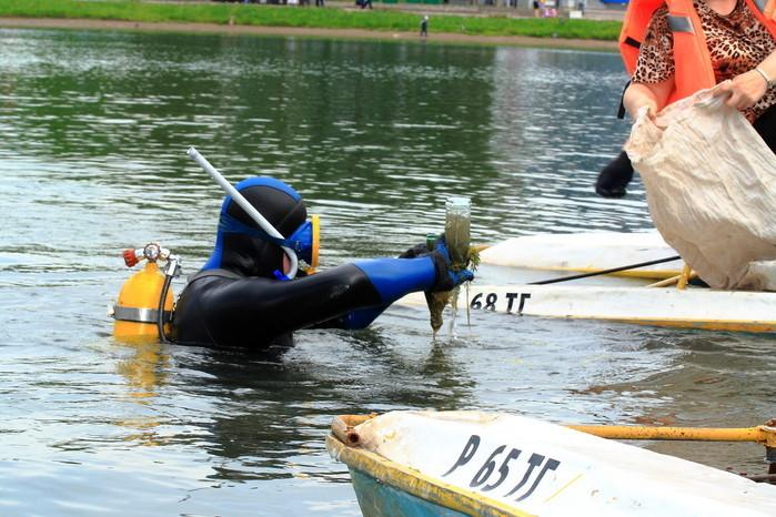 Вминувшие выходные клуб аквалангистов «Наяда» ТУСУР принял участие вочистке Белого озера