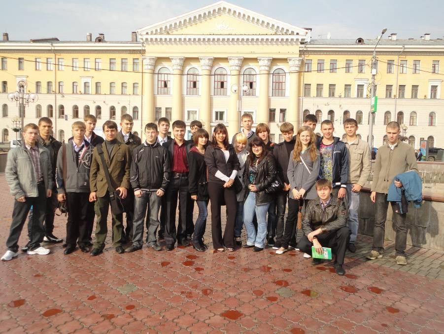 Кафедра сверхвысокочастотной и квантовой радиотехники в День знаний встретила студентов первого курса