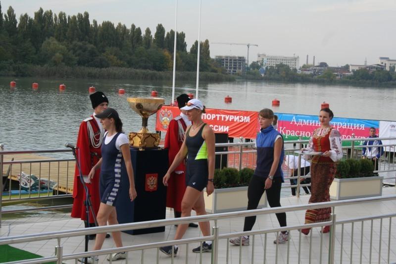 Студентки ТУСУРа выступили на «Президентской регате» по гребным видам спорта