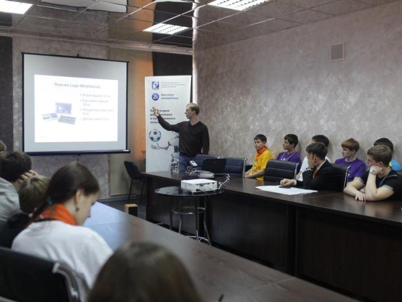 Сотрудники факультета инновационных технологий выступили намеждународном молодёжном фестивале «Цифровой бум– 2012»