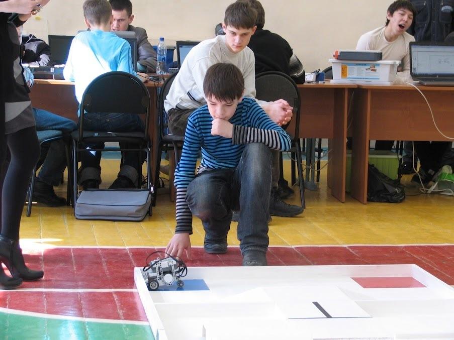 Двекоманды ТУСУРа стали победителями ипризёрами регионального этапа Международных состязаний роботов