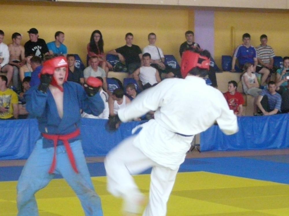Студенты ТУСУРа приняли участие втурнире порукопашному бою