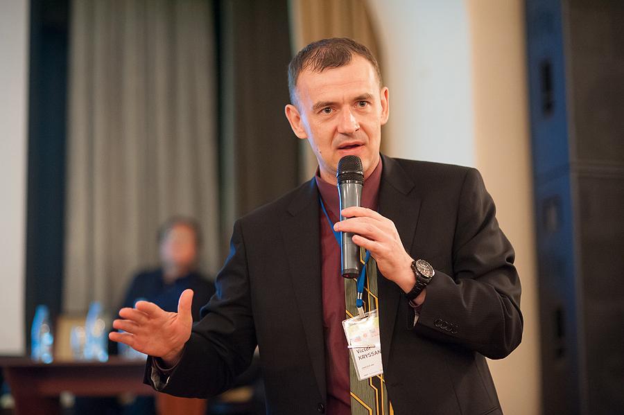 Виктор Крысанов