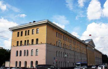 Кюбилею ТУСУРа наглавном корпусе вуза появились цифры, символизирующие годпостройки здания