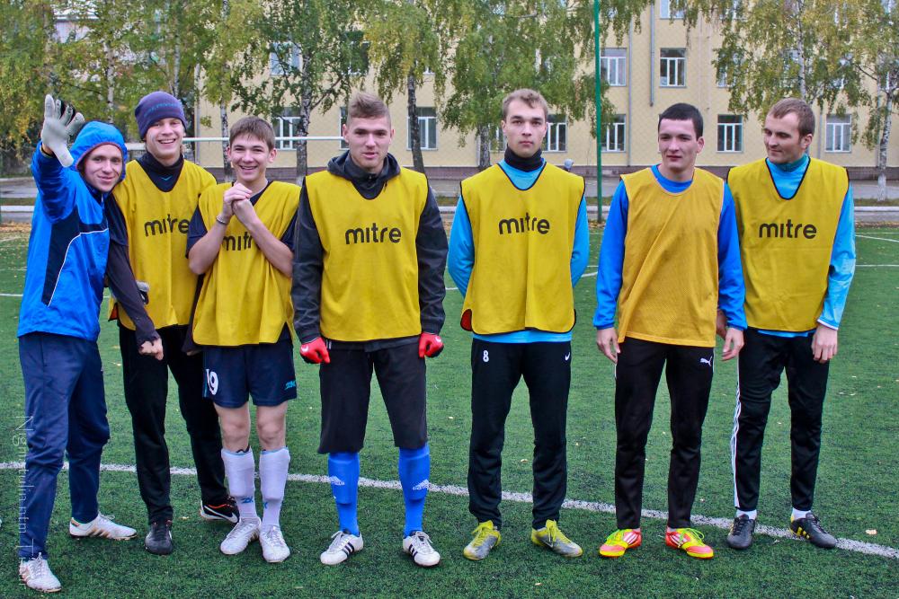 Команда ТУСУРа стала лучшей насоревнованиях поуличному футболу