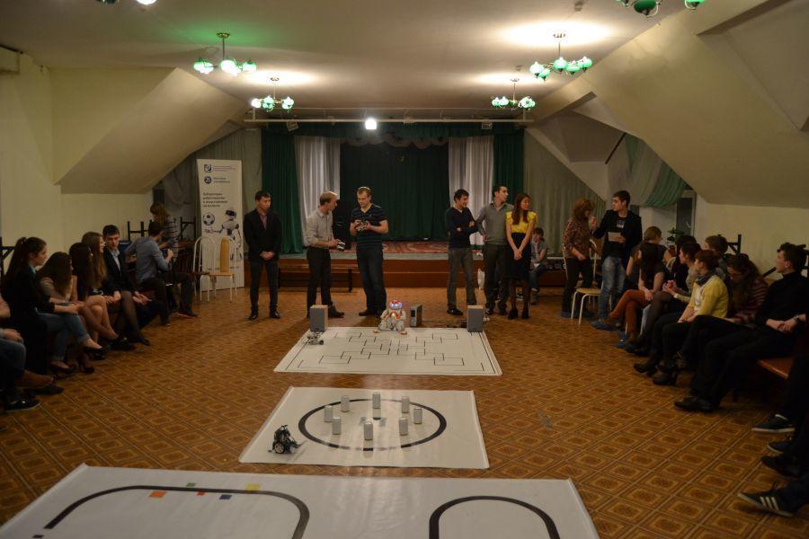 Преподаватели факультета инновационных технологий ТУСУРа приняли участие вшкольном бизнес-лагере TIFE