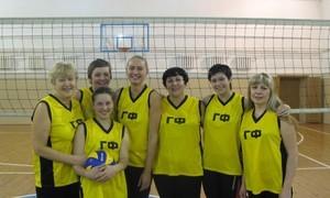 Женская команда ГФ по волейболу, ставшая победителем в 2012 году