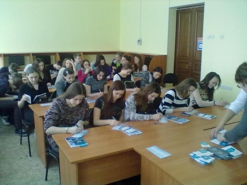 7февраля дляучеников 9-го класса Северской гимназии была организована экскурсия порадиоконструкторскому факультету ТУСУРа