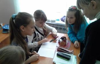 Студентки кафедры РЭТЭМ провели занятия поэкологии сошкольниками изМельникова