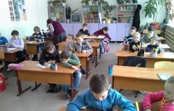 Студентки кафедры РЭТЭМ провели занятия поэкологии сошкольниками изЗоркальцева