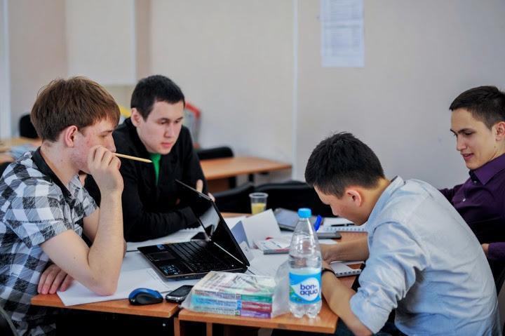 Студенты ТУСУРа всоставе томской команды приняли участие вфинале всероссийского чемпионата поделовой игре «Железный предприниматель»
