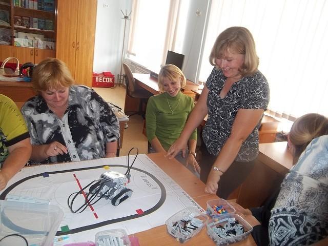 Сотрудникам ТУСУРа выражена благодарность запомощь ворганизации ипроведении курсов повышения квалификации пообразовательной робототехнике