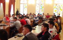 28августа вТУСУРе состоялась встреча-консультация состудентами первого курса РКФизКиргизии