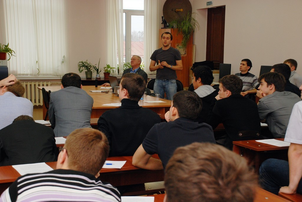 ВТУСУРе врамках IХМеждународной научно-практической конференции «Электронные средства исистемы управления» состоялись очные школы-семинары