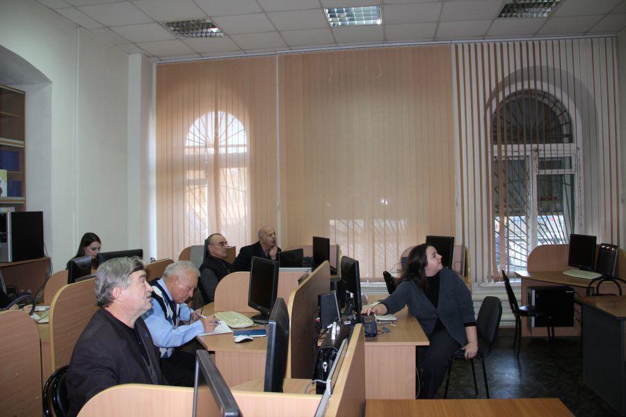 Преподаватели ТУСУРа накурсах повышения квалификации осваивают современные электронные технологии