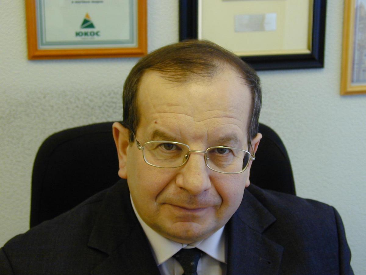 Е.М.Окс, заведующий кафедрой физики, стал лауреатом премии Томской области всфере образования, науки, здравоохранения икультуры