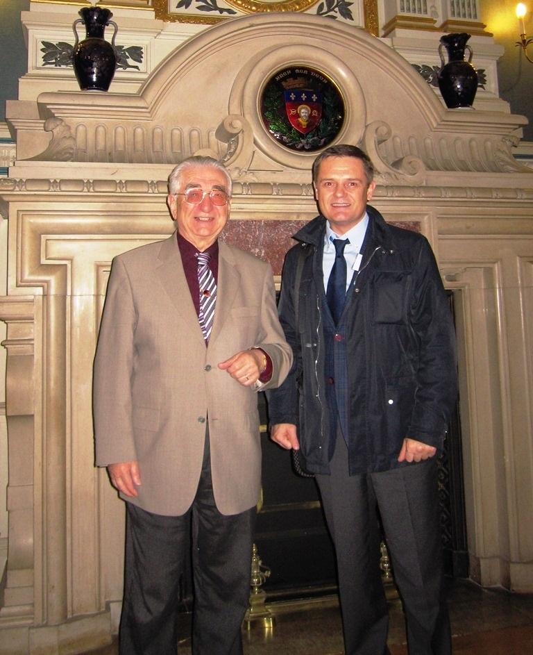 С Бернаром Эбештайном, заместителем мэра Лиможа на официальном приёме в мэрии