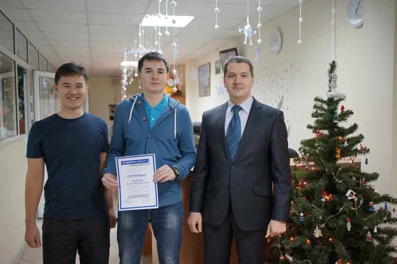 ВЦентре международной IT-подготовки состоялось вручение очередного сертификата поитогам прохождения стажировки
