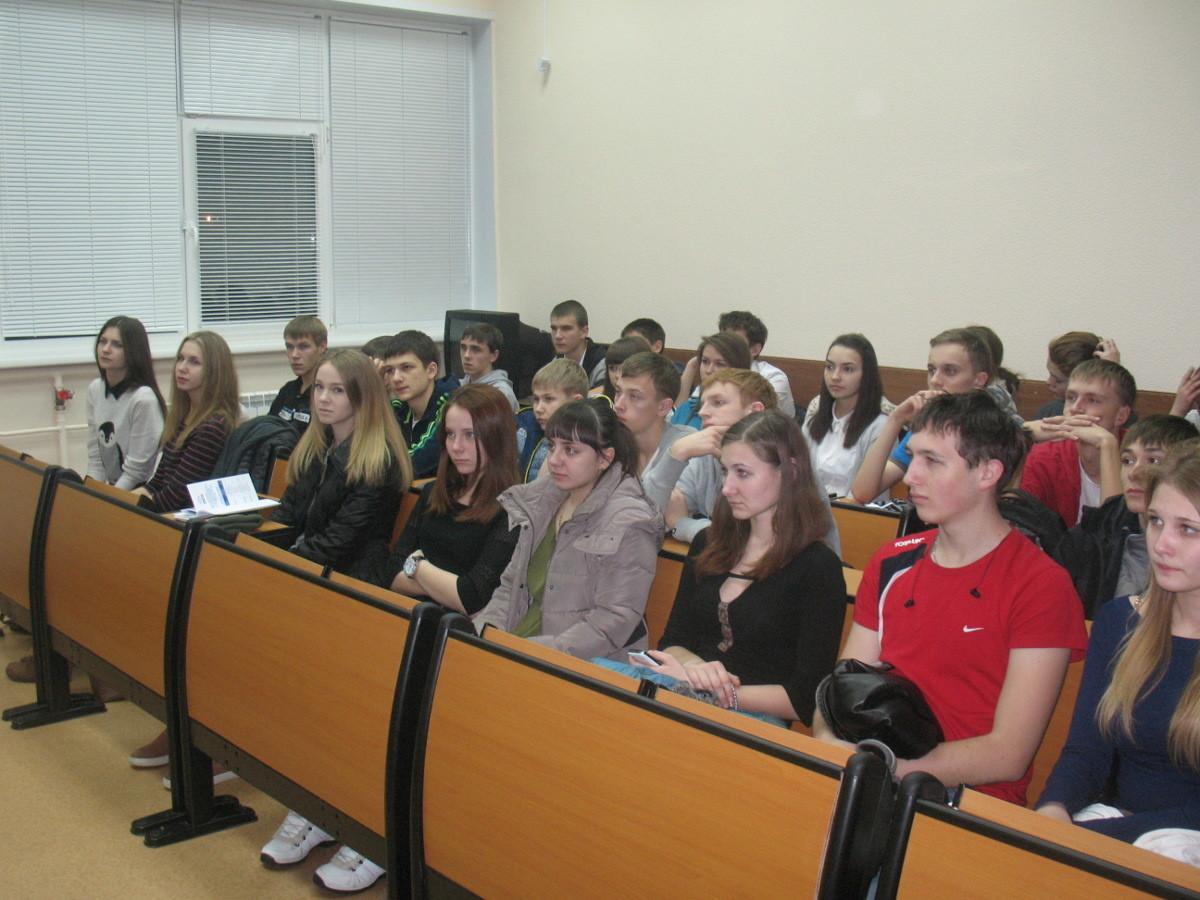 28ноября вЖелезногорске состоялось ежегодное организационное собрание дляшкольников спредставителями сотрудников кафедры РТСиОАО «ИСС»
