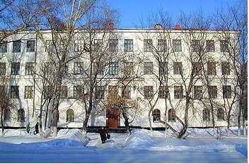 Сотрудник кафедры СВЧиКР встретился сучениками выпускных классов Рубцовска