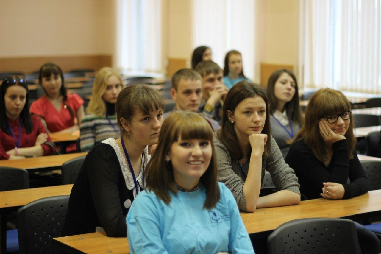 ВТУСУРе проходит неделя экскурсий дляучеников старших классов