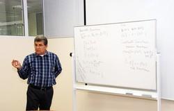 ТУСУР посетил профессор изТурции слекциями поодной изважных проблем современной математики