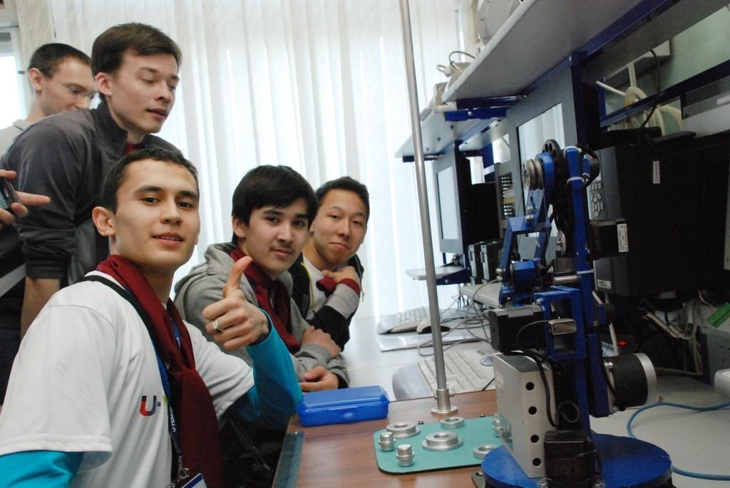 3апреля врамках всероссийского форума молодых учёных U-NOVUS – 2014 прошла командная научная игра молодёжи России Science Game, вкоторой ТУСУР принял активное участие
