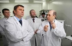 Посещение НОЦ «Нанотехнологии» ТУСУРа во время визита делегации ФПИ в Томск