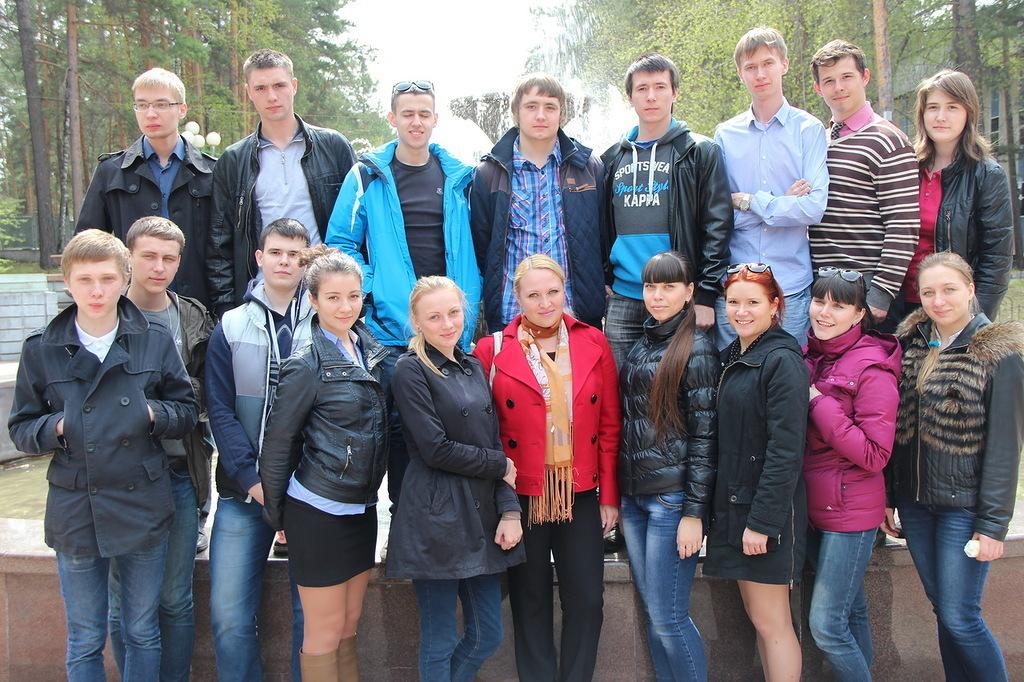 С11 по14 маяОАО «ИСС» провело ознакомительные экскурсии попредприятию иЖелезногорску длястудентов кафедры РТС
