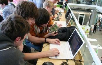 Сотрудник отдела информационно-технической поддержки Института инноватики представил ТУСУР на Startup village