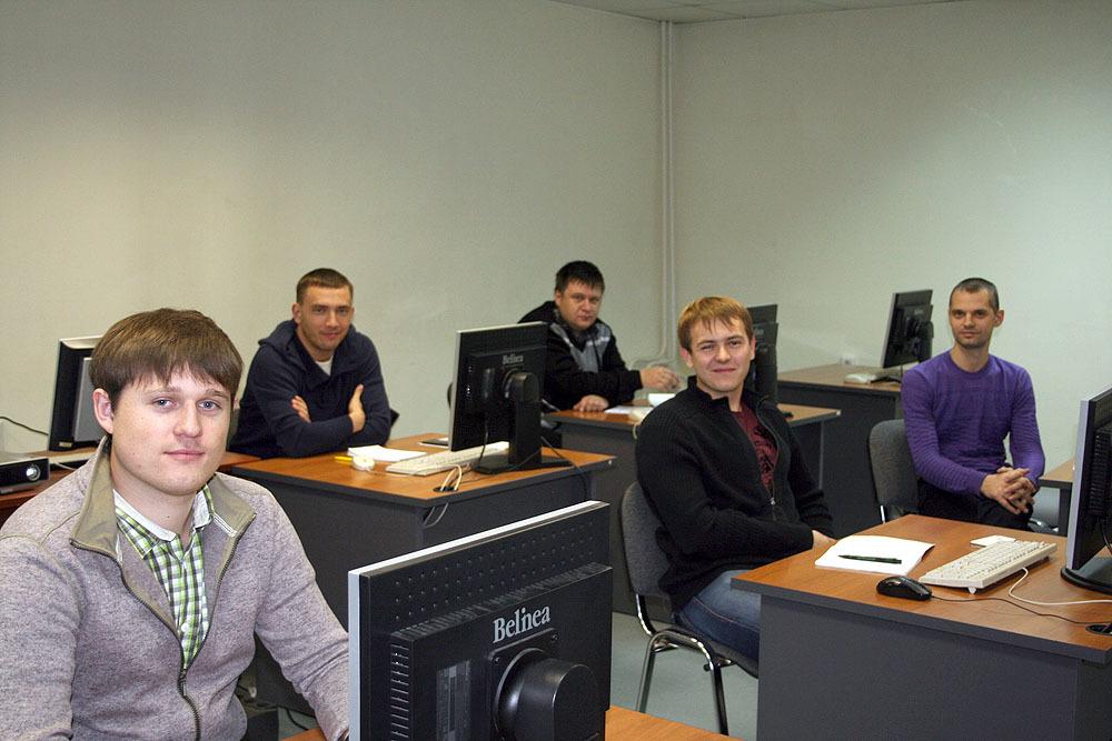 8октября приступила кзанятиям вторая осенняя очная группа Сетевой академии Cisco ТУСУРа