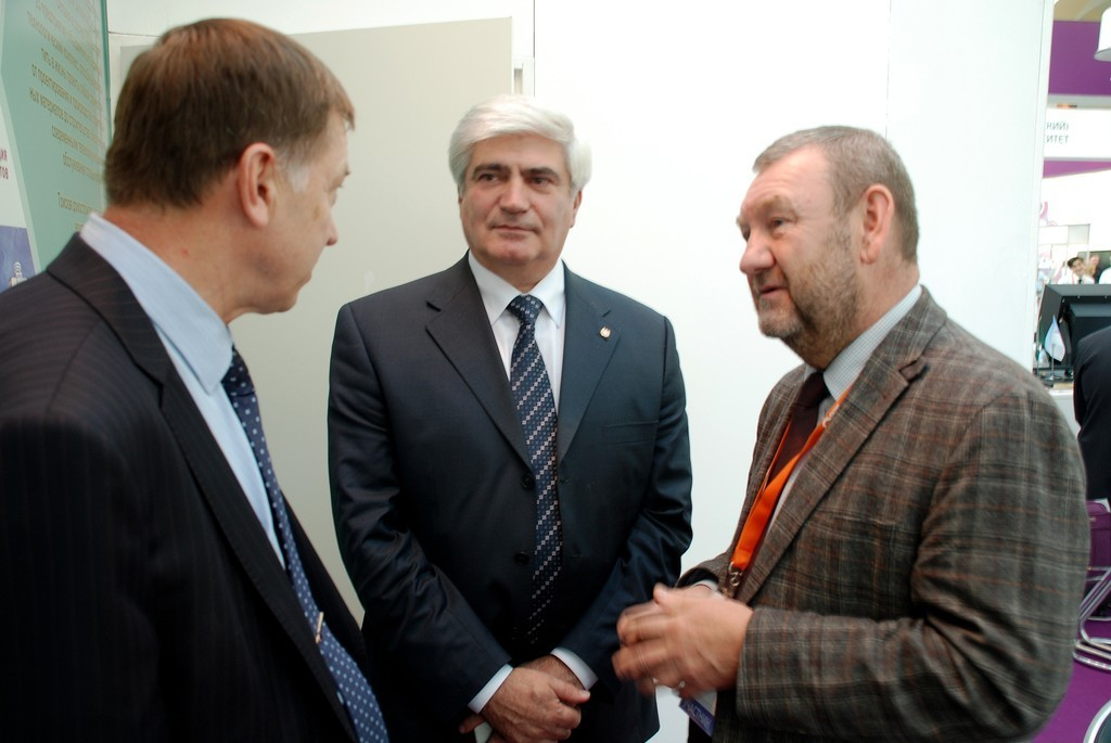 ТУСУР представил ходвыполнения комплексных проектов поПП № 218нанациональной выставке-форуме «ВУЗПРОМЭКСПО-2014»