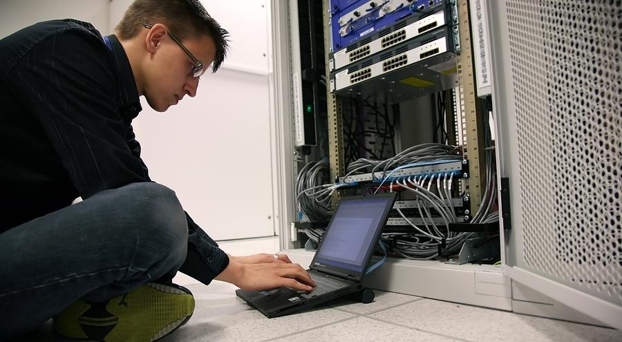 Сетевая академия Cisco ТУСУР приглашает всех желающих набесплатный вебинар «Технология агрегации каналов EtherChannel накоммутаторах Cisco. Протоколы PAgP иLACP»