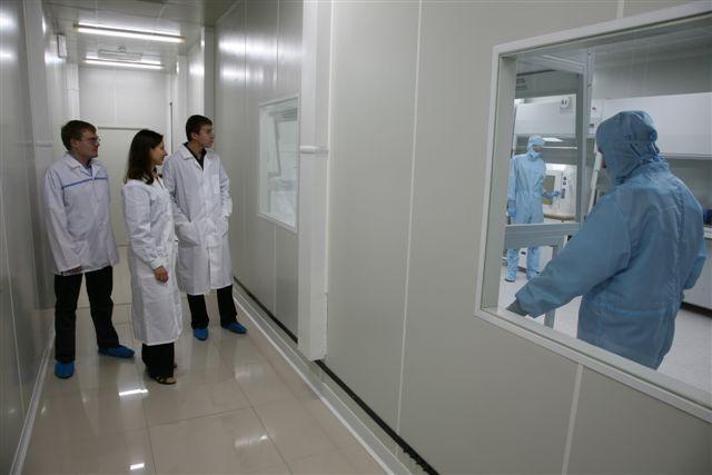 Набазе НОЦ«Нанотехнологии» ТУСУР первая группа специалистов завершила обучение попрограмме переподготовки «Формирование покрытий иматериалов методами струйной принтерной печати»