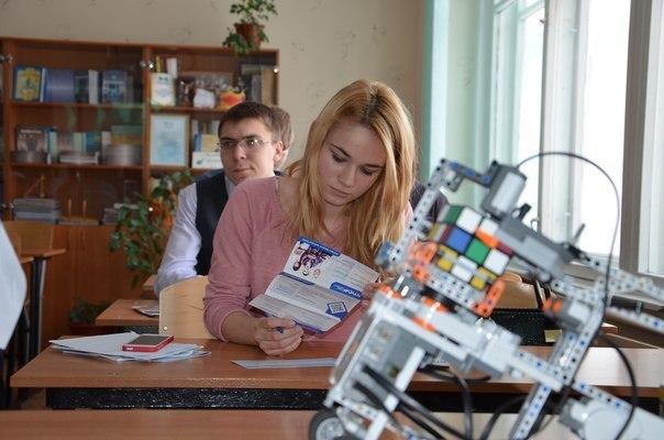 Представители ТУСУРа побывали надне профориентации «Кругосветка»