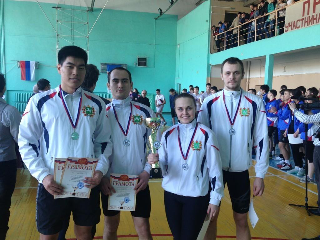 Студенты-гребцыТУСУРа насоревнованиях вОмске завоевали одну золотую исемь серебряных медалей