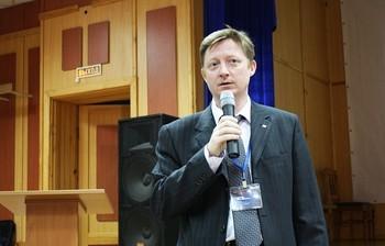 ВТУСУР начала работу Третья международная школа-семинар «Фотоника нано- имикроструктур» («ФНМС 2015»)