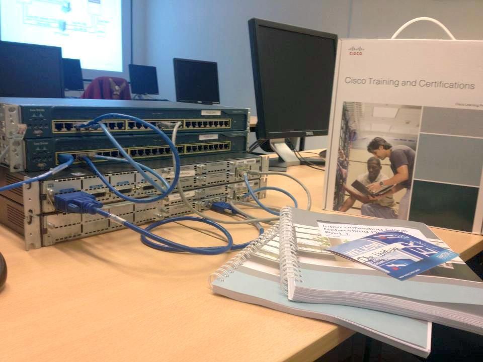 Программы повышение квалификации отСетевой академии Cisco ТУСУР